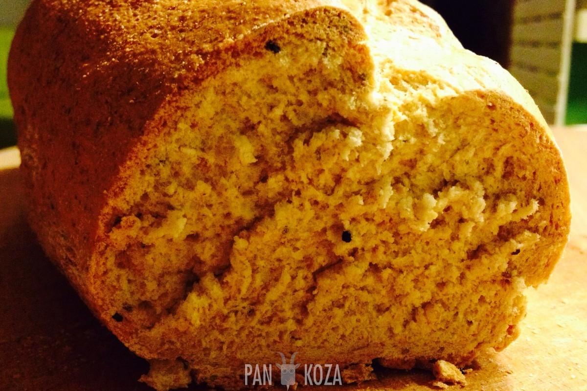 chleb z czarnuszką i chia